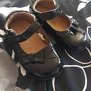Black Cherokee dress shoes